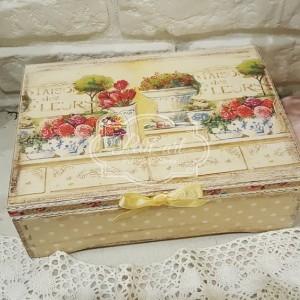 ~Kwiaty~ kropeczki... duża szkatułka