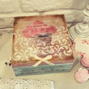 22 Róże, reliefy Szkatułka vintage