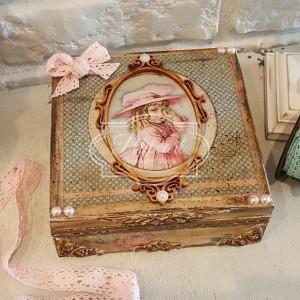 119 Vintage Szkatułka, pudełko, skrzyneczka Retro