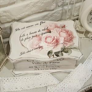152 Duża stylowa szkatułka róże napisy Paris shabby