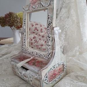 229 Piękna Toaletka w starym stylu
