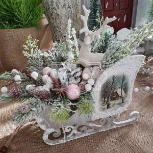 241 Sanie z dekoracją świąteczną