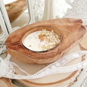 334 Świeca naturalna Sojowa w łupinie kokosa